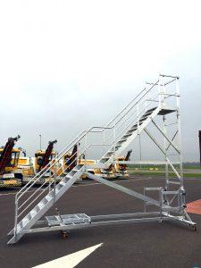 Vliegtuigtrap met twee niveaus